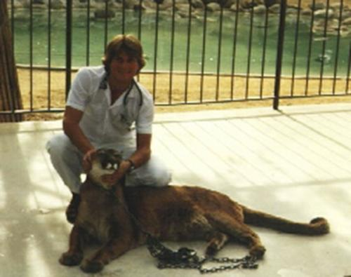 resize-Cougar and Dr. Chris Cauble